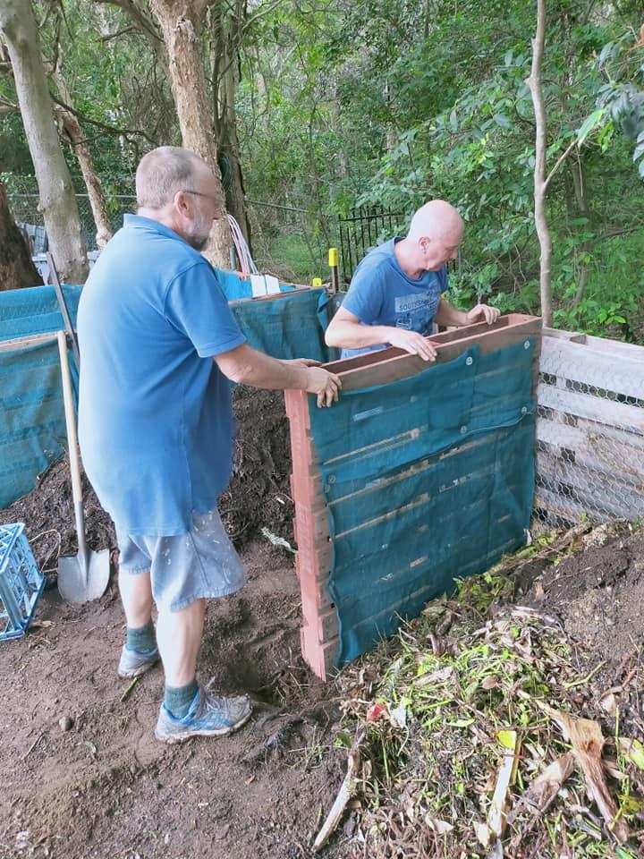 compost-bin-building